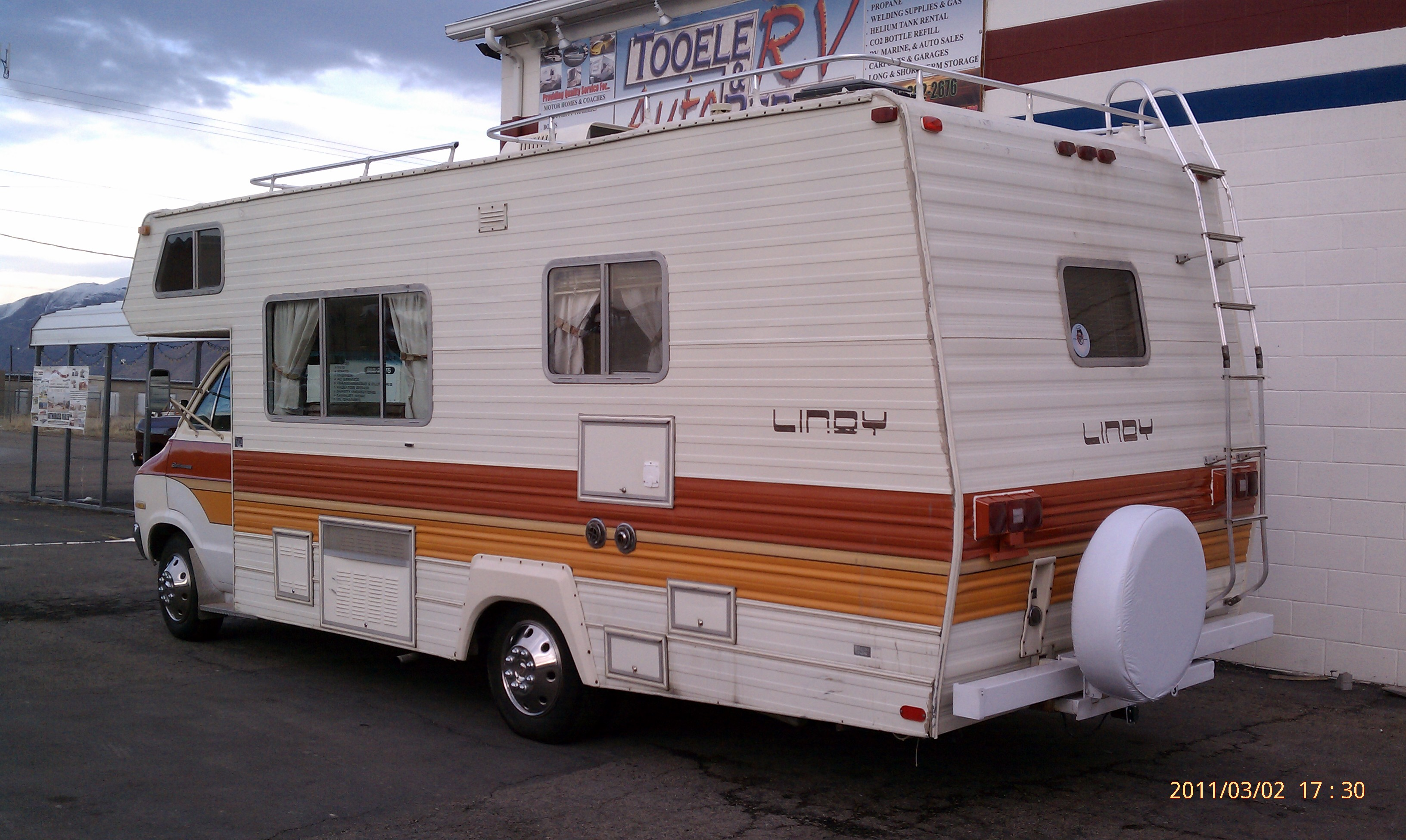 1985 Dodge Rv submited images.